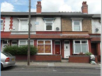 EasyRoommate UK - Three x 1  bed self contained flats - Edgbaston, Birmingham - £325 pcm