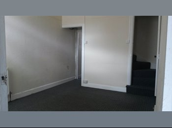 EasyRoommate UK - Student rooms to let - Stoke, Coventry - £320 pcm