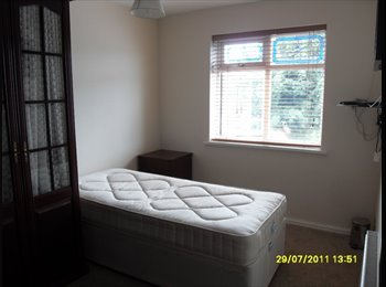 EasyRoommate UK - Double fully furnished Room in Wrexham - Rhosnesni, Wrexham - £368 pcm