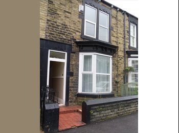 EasyRoommate UK - 3 Double Student Bedrooms - Barnsley Town Center - Barnsley, Barnsley - £325 pcm