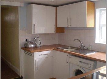 EasyRoommate UK -  House share, central Cheltenham - Cheltenham, Cheltenham - £380 pcm