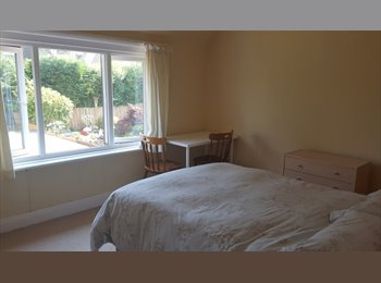 Lovely large double room in Westbourne/Alum Chine