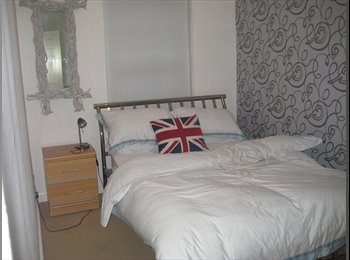EasyRoommate UK - Room to let for professional single person, Southend-on-Sea - £550 pcm