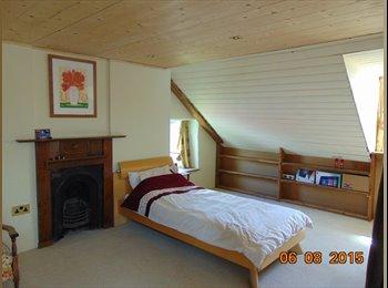 EasyRoommate UK - Room to let, West Coast - Guernsey, Guernsey - £850 pcm