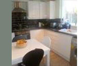 EasyRoommate UK - Single room to let - Loughton, London - £430 pcm