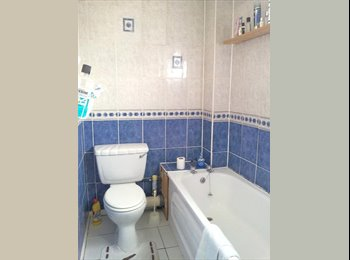 Iffley attractive furnished double room available June
