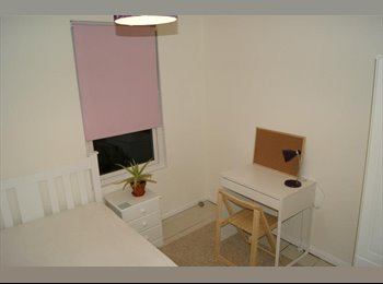 EasyRoommate UK - 2 Rooms available in great House Centre Canterbury - Canterbury, Canterbury - £340 pcm