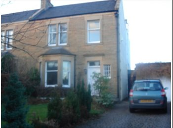 EasyRoommate UK - Large double room with en-suite., Wester Hailes - £500 pcm