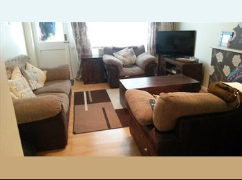 EasyRoommate UK - Large Double Room in quiet house and Location - Thurnby, Leicester - £375 pcm