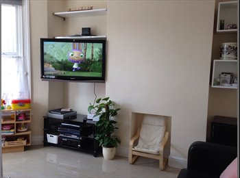 EasyRoommate UK - Nice and spacious £500/month all bills included , London - £500 pcm