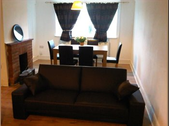 EasyRoommate UK - LARGE DOUBLE BEDROOM  furnished  & BILLS INCLUDED , Norcot - £508 pcm