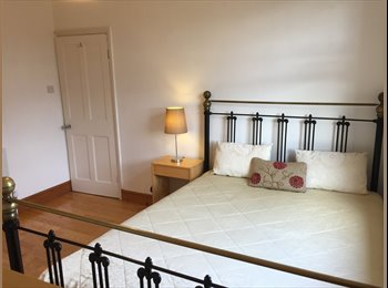 Lovely Double Room Enfield (For Female)