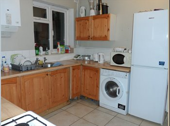 1 double rooms near the city center& solent univer