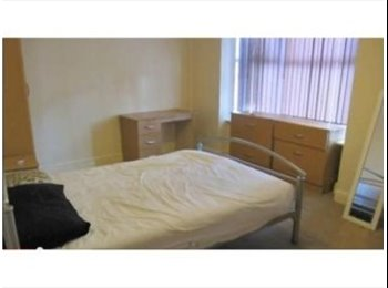 SIX BED HOUSE TO RENT IN ,RUSHOLME -