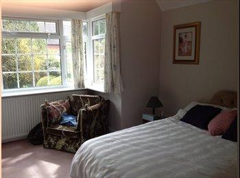 EasyRoommate UK - Furnished double room to let - Charlton Kings, Cheltenham - £500 pcm