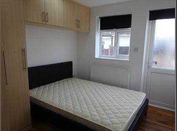 EasyRoommate UK - Nice Room near Willesden Green NW2 - Willesden, London - £629 pcm