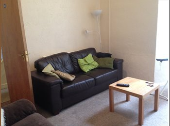 LOVELY DOUBLE BEDROOM FOR YOUNG PROFESSIONALS
