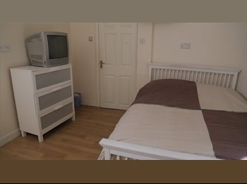 Spacious Double Room Beckenham Hill