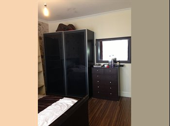 A BEAUTIFUL LOVELY LARGE DOUBLE BED ROOM