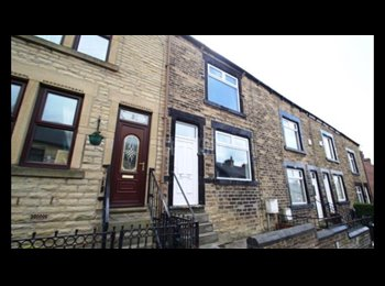 EasyRoommate UK - Double/Single Rooms Close To Town And M1 Motorway - Kimberworth, Rotherham - £325 pcm