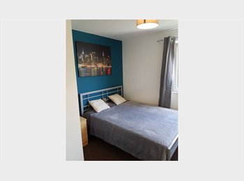 EasyRoommate UK - BRETTON - LARGE DOUBLE ROOM AND PRIVATE STUDIO! , Peterborough - £325 pcm