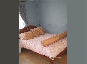 EasyRoommate UK - Large Spacious Double Room within  House - Northolt, London - £600 pcm