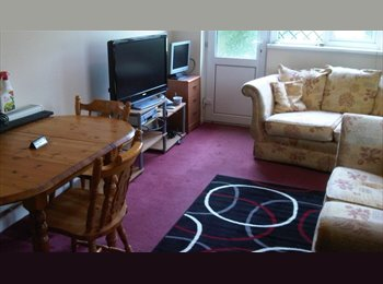 Double room in newly decorated house to high spec.