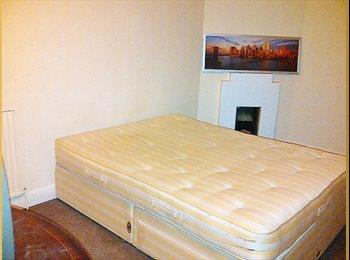 EasyRoommate UK - HUGE DOUBLE ROOM, BILLS+WIFI INC, LOVELY HOUSE - Morden, London - £575 pcm