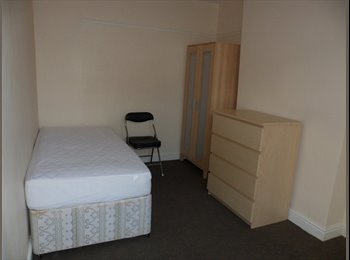 EasyRoommate UK - Room available  - Ashby, Scunthorpe - £325 pcm