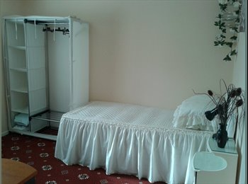 5 days a week, furnished double room with single bed