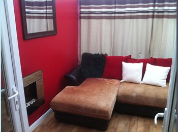 EasyRoommate UK - NO DEPOSIT - Luxury Doble Room With Own Private Lounge  - Dagenham, London - £650 pcm