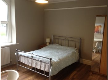 EasyRoommate UK - Rooms for let in a comfortable terrace house - Lancaster, Lancaster - £300 pcm
