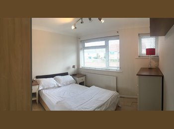 EasyRoommate UK - House Share, Southampton - £445 pcm