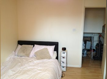 Double room in Elephant and castle for a girls