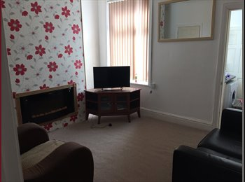 EasyRoommate UK - NEW - 3 Double Bedroom House in Salford - Claremont, Manchester - £372 pcm