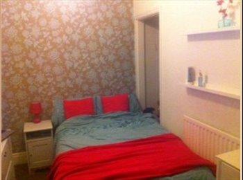 EasyRoommate UK - Double room In Darlington close to Hospital - Darlington, Darlington - £350 pcm