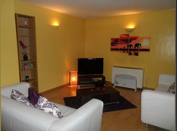 EasyRoommate UK - Double room in a 2 bed flat, good transport links - Sydenham, London - £500 pcm