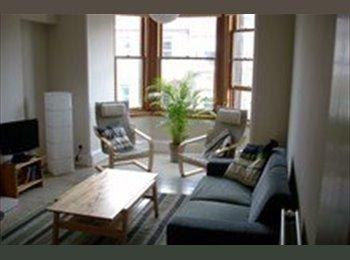 EasyRoommate UK - Bright, spacious top floor flat - Harrsion Gardens - Gorgie, Edinburgh - £700 pcm