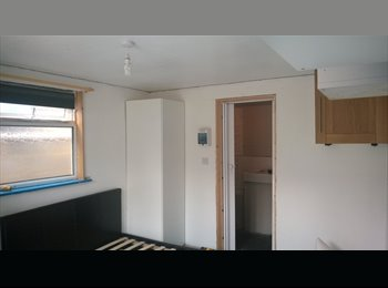 EasyRoommate UK - Double room to rent - Oakdale, Poole - £400 pcm