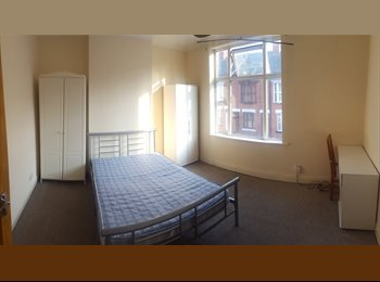 EasyRoommate UK - **Brand New Student Rooms 18 Available!!!** - Leicester Centre, Leicester - £325 pcm