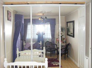 EasyRoommate UK - Lovely room - Pinner-Hatch end - parking - Hatch End, London - £575 pcm