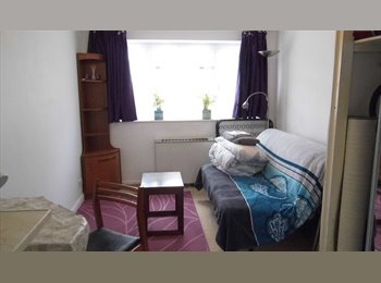 Modern furnished studio double (self-contained) 2nd June...