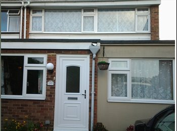 EasyRoommate UK - large room down stairs room, Saffron Walden - £400 pcm