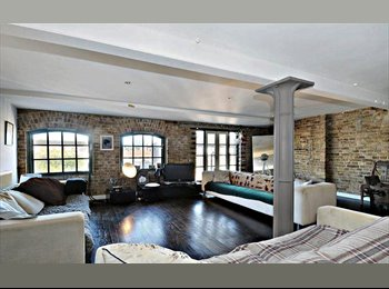 Big old room - Warehouse conversion - Brick Lane