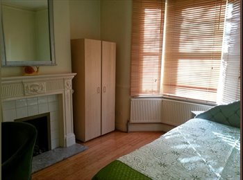 nice, bright room in a quiet house/ Walthamstow