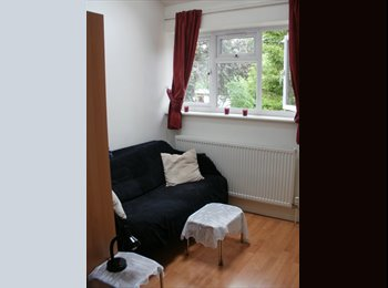 Female only: Short Term Double in 2bd flat available...
