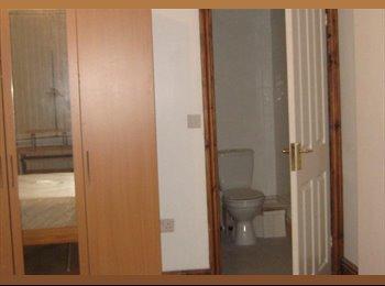 EasyRoommate UK - house share in a nice residential area - Rhosnesni, Wrexham - £390 pcm