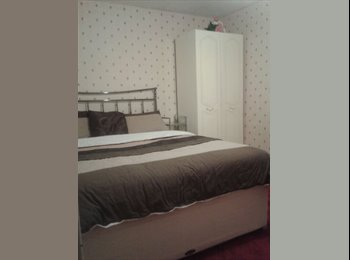 EasyRoommate UK - Large size double room with fitted wardrobe - Ely, East Cambridgeshire - £480 pcm