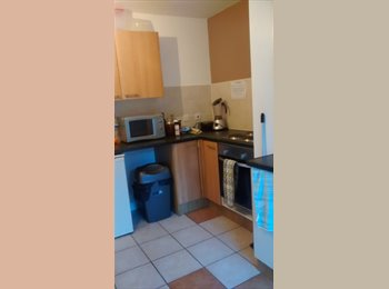 2 x double furnished en-suite rooms in lovely shared house