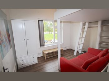 Newly refurbished house with double rooms available